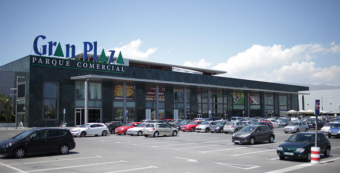 Exterior view Gran Plaza Commercial Park