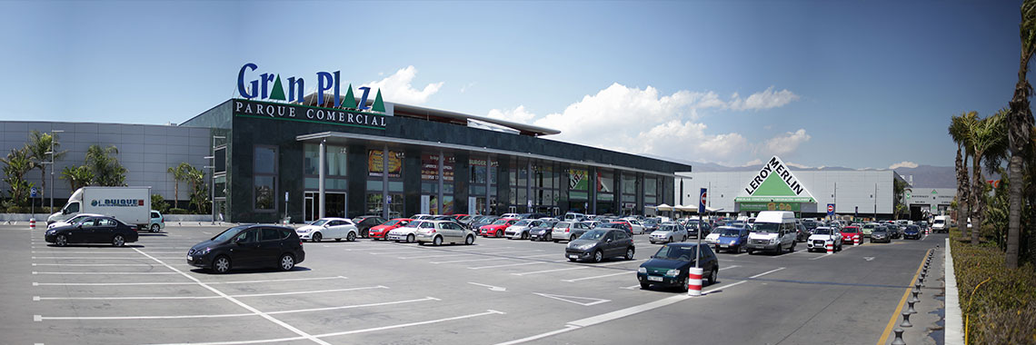 Exterior view Gran Plaza and Leroy Merlin