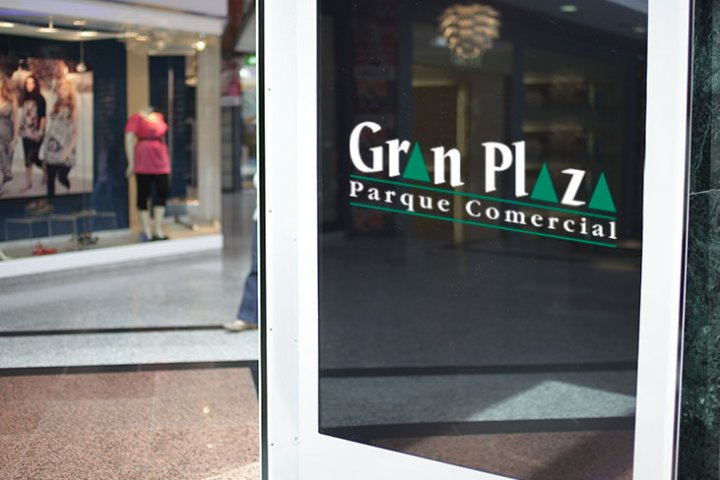 Advertise on the screens of Gran Plaza