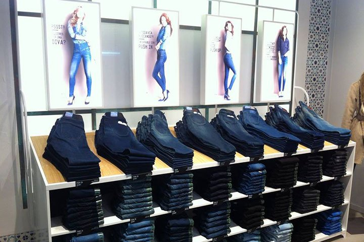 Salsa Jeans store